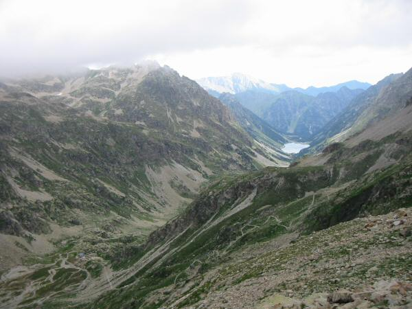 Higher still, the refuge can still be made out (bottom left) and Lac de Gaube comes into view