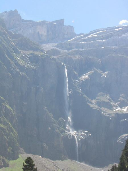 la Grande Cascade. In the Spring the waterfall is a single drop of 423m (1,400ft)