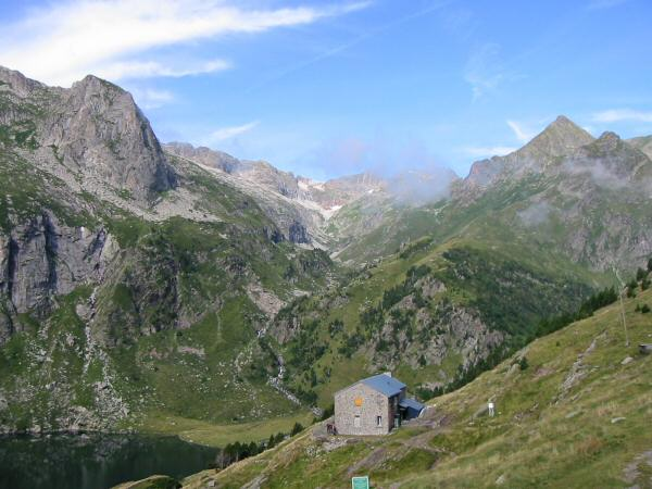 Refuge d'Espingo. A short diversion from the GR10 took us up to the Col d'Espingo and into the sunshine