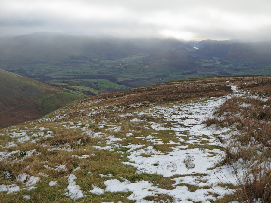 The view south from Lonscale Fell with the top of the Dodds/Hevellyn in cloud
