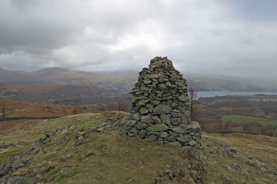 The south-east cairn