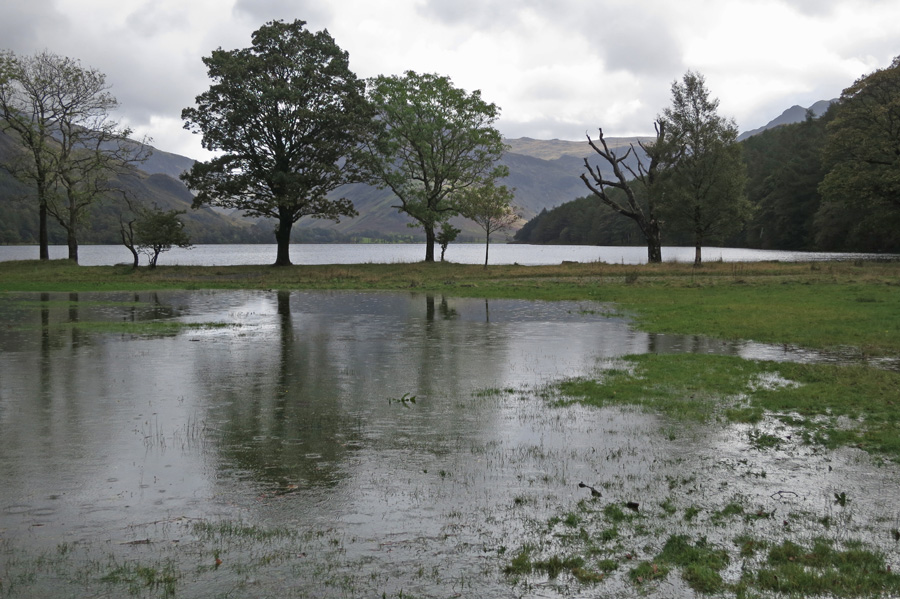 Heavy rain overnight/this morning means that Buttermere is full to bursting