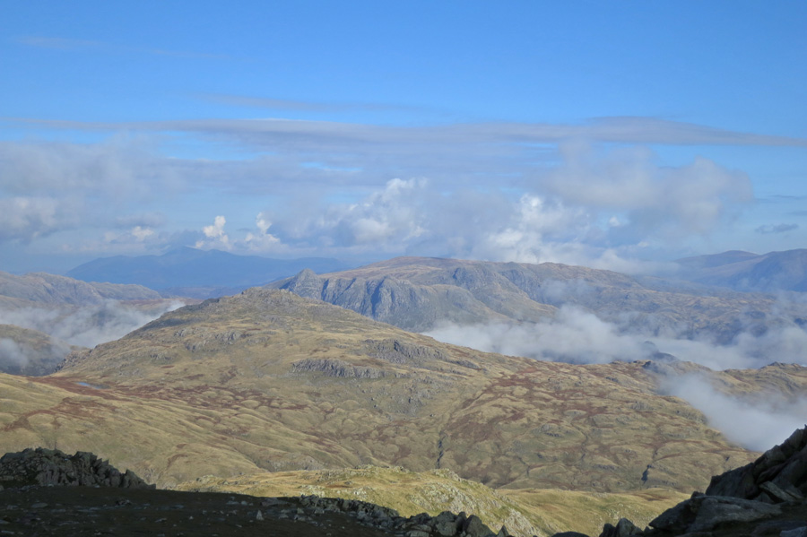 Pike O'Blisco with the Langdale Pikes beyond
