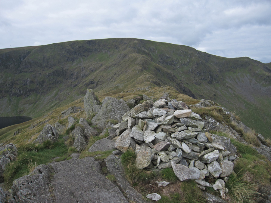 Rough Crag summit, looking towards High Street