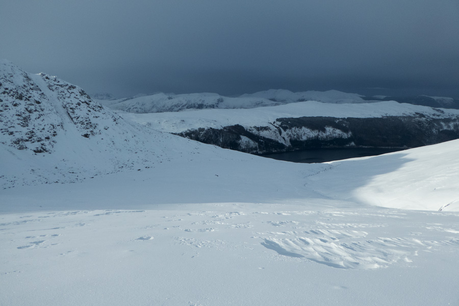My way ahead, off path down below Browncove Crags. Not the greatest idea, lots of soft powder to sink into!
