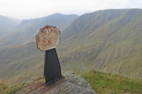 The Dixon memorial just after High Spying How at the start of Striding Edge (9 Sep 2014)