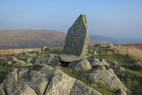 Boundary Stone at Adam Seat's summit, L for Lowther, landowner in Shap Rural parish to the north (21 Sep 2014)